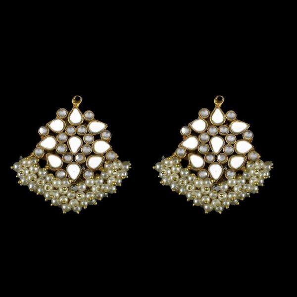 Avyaana earrings
