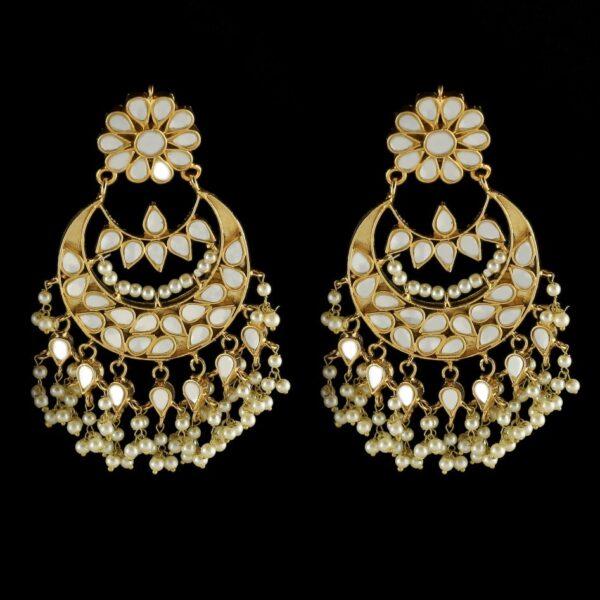 Uns earrings