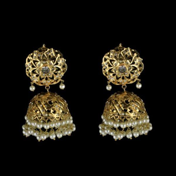 safis earrings